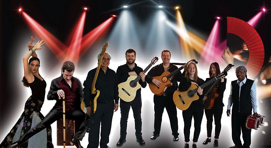 Die Fiesta Española mit der Gipsy Family Los Payos mit Gitarristen, Bass, Percussion, einer Flamencotänzerin und einem Flamencotänzer