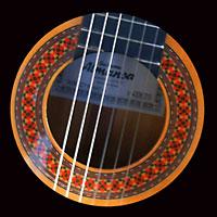 Spanische Gitarre von René el Payo mit Schallloch