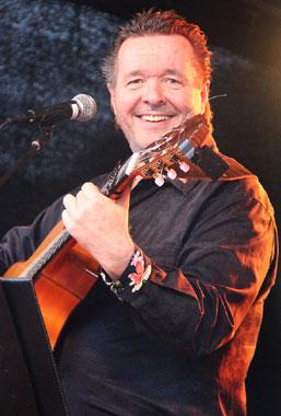 Spanischer Sänger und Gitarrist René el Payo Chef der Gipsy Family Los Payos